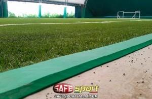 Protezione perimetrale del campo da gioco all'interno di una tensostruttura