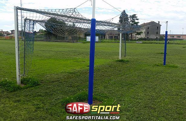 Protezione gomma paletti di ferro per porta calcio a norma - Misure porta di calcio ...