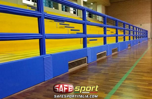 Sport protezioni in un palazzetto sportivo